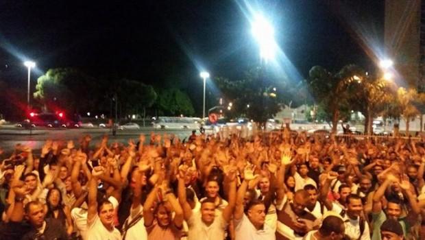 Em assembleia da categoria funcional dos guardas municipais do Rio de Janeiro, com a presença de aproximadamente 600 guardas municipais,com o apoio do SISEP-RIO, a categoria decretou estado de greve, […]